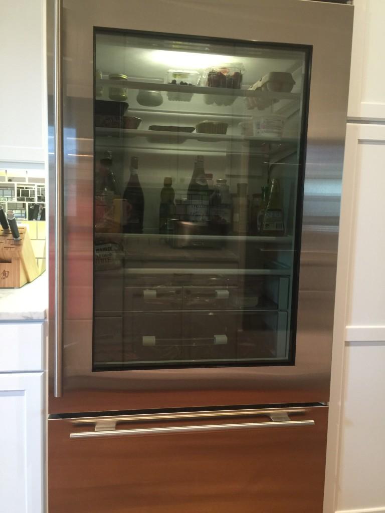 kitchen frig